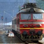 Мъж е с опасност за живота, след като бе блъснат от влак