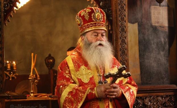На Македонската православна църква трябва да помогнем мъдро, без отново
