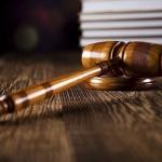В България в съд и в болница да не влизаш