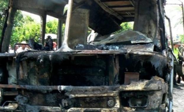 Евакуираха 15 души от горящ автобус на Ришкия проход