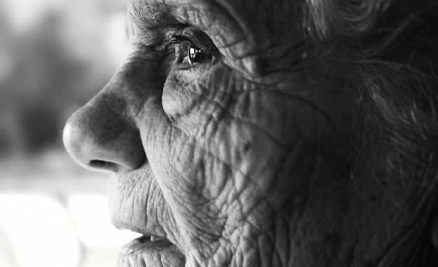 79-годишна жена от Царево е била измамена със сума от