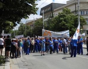 Бизнесът протестира срещу поскъпването на тока