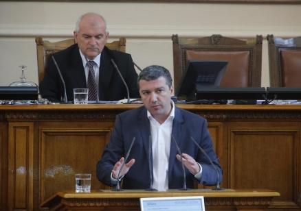 Стойнев: Всички плащаме грешките на ГЕРБ и в президентството, и в енергетиката