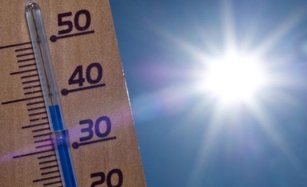 До 30 градуса на места в страната