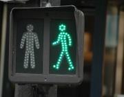 Специални светофари помагат на потребителите на смартфони да пресичат безопасно