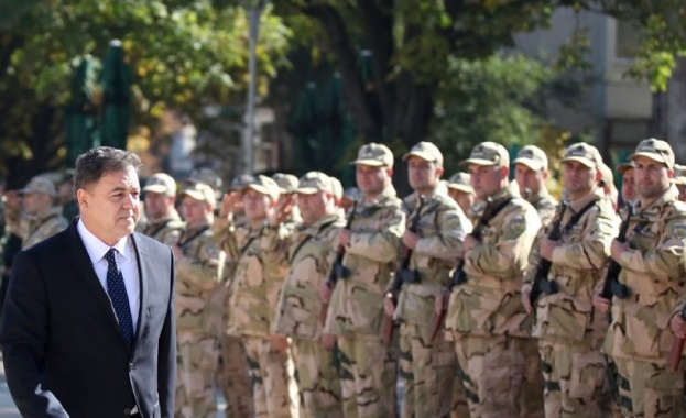 Ненчев отпразнува Възкресение Христово заедно с военнослужещи от Сухопътните войски