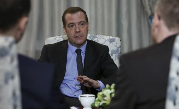 Дм. Медведев осъди остро намерението за сухопътна операция ...: http://www.cross.bg/siriya-operatziya-syhoputna-1498101.html