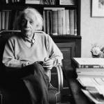 Две неща са безгранични: Вселената и ...