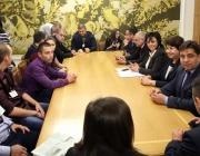 Нинова към студенти: Ще се борим да имате шанс за образование, работа и създаване на семейства в България