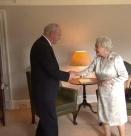 Кралица Елизабет: Все още съм жива