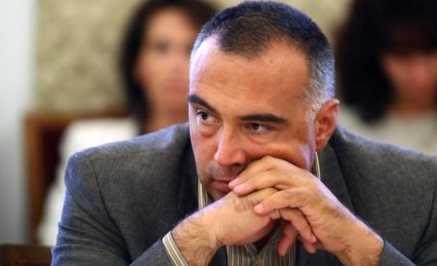 Кутев: България е заплашена от етнически конфликти! Бедността е ужасна