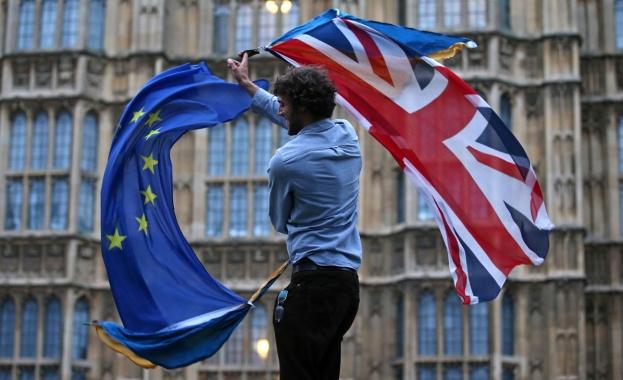Преговорите по Брекзит започват. Очаква се Великобритания да напусне ЕС