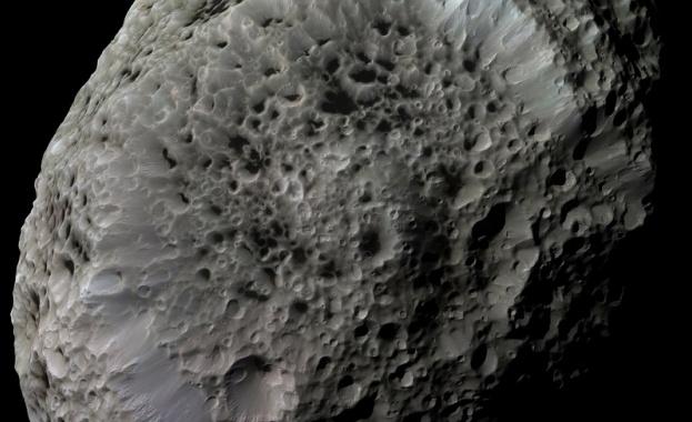 Астероид ще премине покрай Земята тази вечер