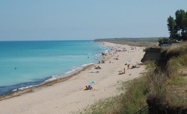 На прага на летния сезон много плажове по Черноморието все още нямат наемател
