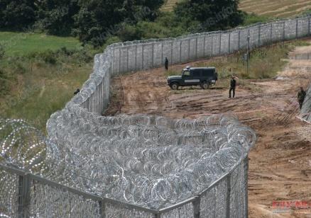 Променя се структурата на бежанския поток, заяви министър Бъчварова