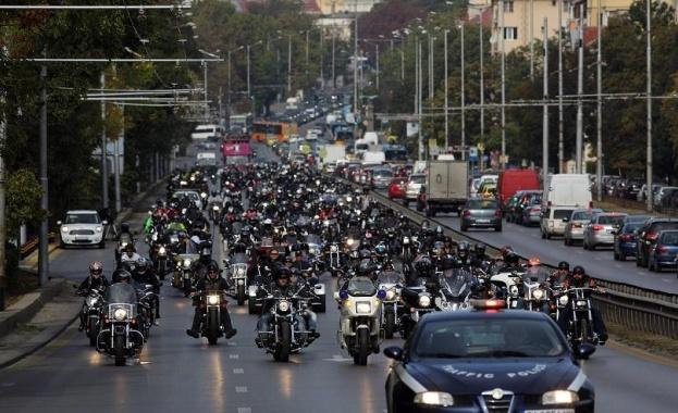 Рокери излизат на мотошествия в памет на загиналите на пътя