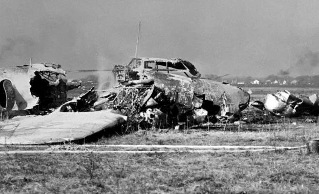 Резултат с изображение за първата самолетна катастрофа.