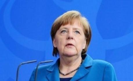 Партията на Меркел с убедителна преднина два дни преди изборите