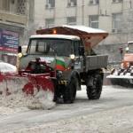 98 машини чистят в София