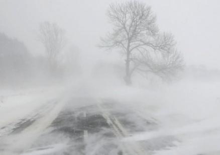 Обилен снеговалеж предизвика транспортен хаос в Турция