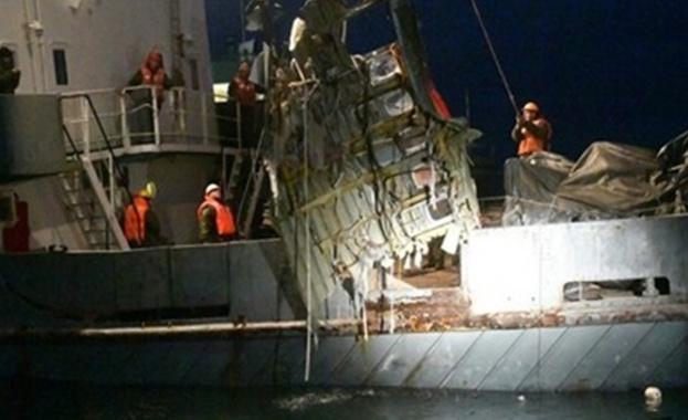 На плажа в Сочи намериха отломки и части от тяло от разбилия се Ту-154