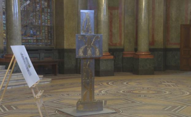 Паметникът на кирилицата стана атракция за софиянци