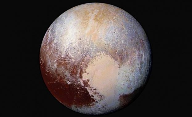 Директор в НАСА: Плутон трябва отново да се признае за планета