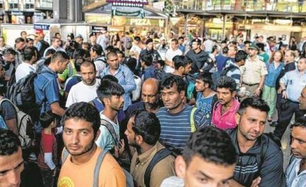 Близо 84 000 бежанци и мигранти са пристигнали в Европа
