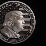 Уралски оръжейници направиха сребърна монета-медал с образа на Тръмп