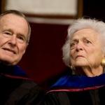 Джордж Буш-старши и съпругата му остават в болницата за неопределено време
