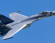 Фигури от висшия пилотаж, изпълнени за първи път с изтребител Су-35С (Видео)