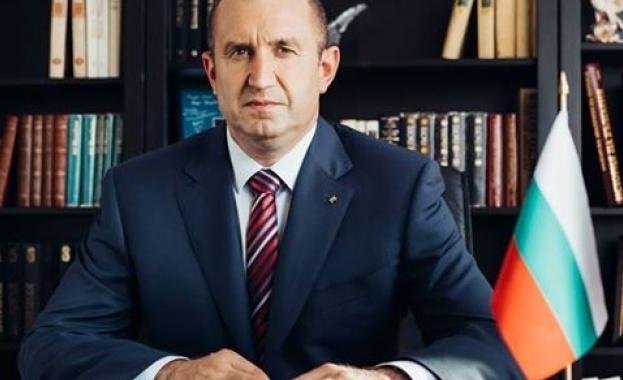 Румен Радев поздрави Владимир Путин за Деня на Победата