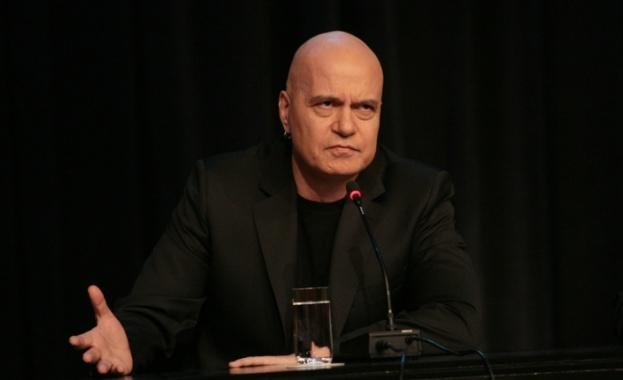 Слави Трифонов намекна за влизане в политиката