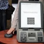 Управляващите отложиха машинното и е-гласуването заради тайната на вота