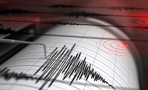 Силно земетресение край Индонезия