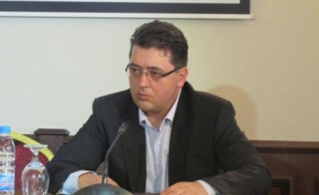 Министър Пламен Узунов връчи ключовете за новите коли на СДВР и ОДМВР в Бургас