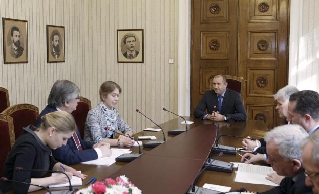 Президентът Румен Радев се срещна с посланика на Русия Анатолий Макаров