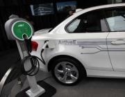 Изграждат 80 зарядни станции за коли на ток в София