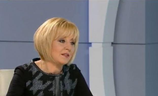 """Манолова: """"Топлофикация"""" се ползва от държавен и политически чадър"""