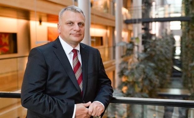 Петър Курумбашев: Очевидно в България не приемаме еднополовите бракове