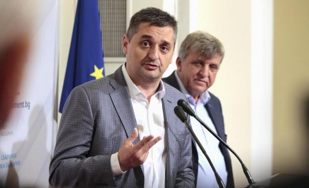 Кирил Добрев: Валери Симеонов вече е национален проблем
