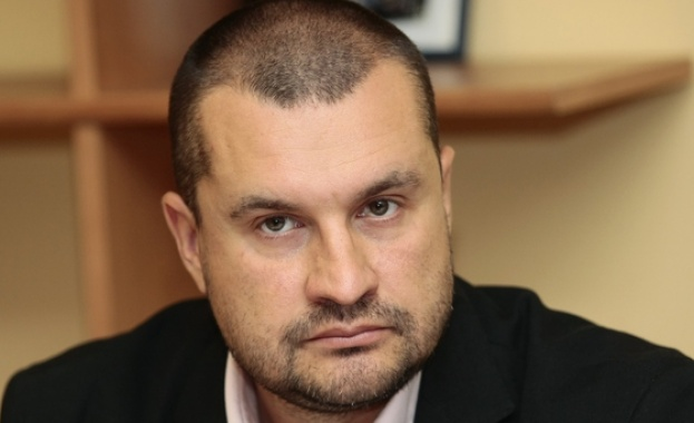 "Д-р Методиев: Гледаме трети сезон на сериала ""Борисов 3"", ""гейтове"" и много Фейсбук"