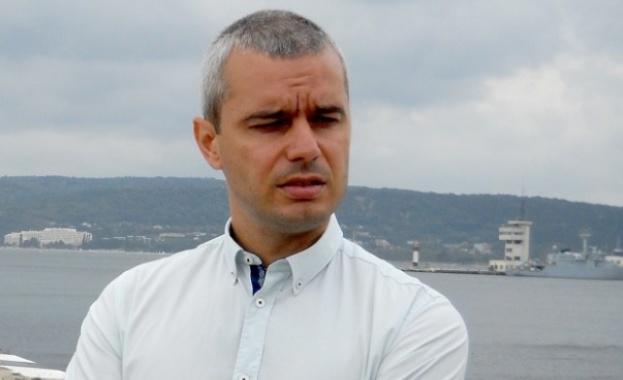Костадин Костадинов: Самоубиваме се, България изчезва след 10 години