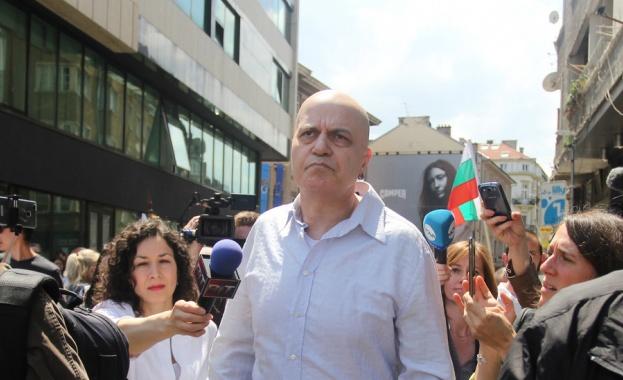 Изявлението на Слави Трифонов, че в края на юли шоуто