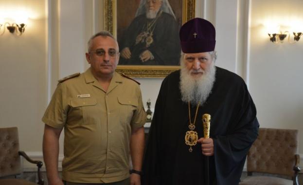 Почетен знак на Военната академия в София бе връчен на Патриарх Неофит