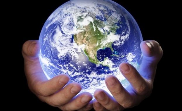 НАСА откри създадена от човека обвивка около Земята
