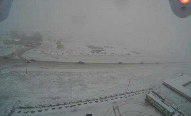 Сняг по никое време обхвана три американски щата (видео)