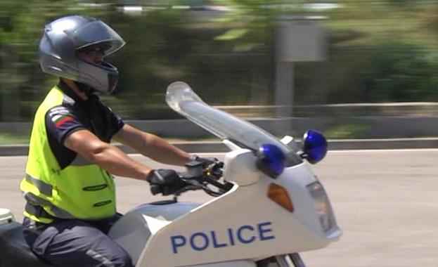 Варненски полицай с мотоциклет пострада по време на работа, след