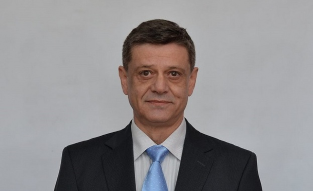Константин Попов: Със закупуването на F-16 осигуряваме модернизацията на ВВС