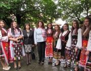 Йотова: Маслодайна роза е вечният символ на България